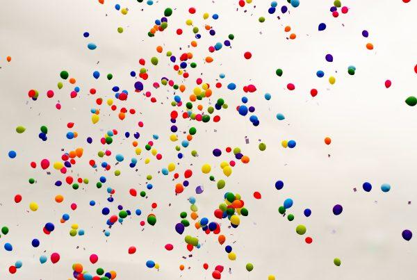 Aufwärmspiel Luftballon-Schlacht