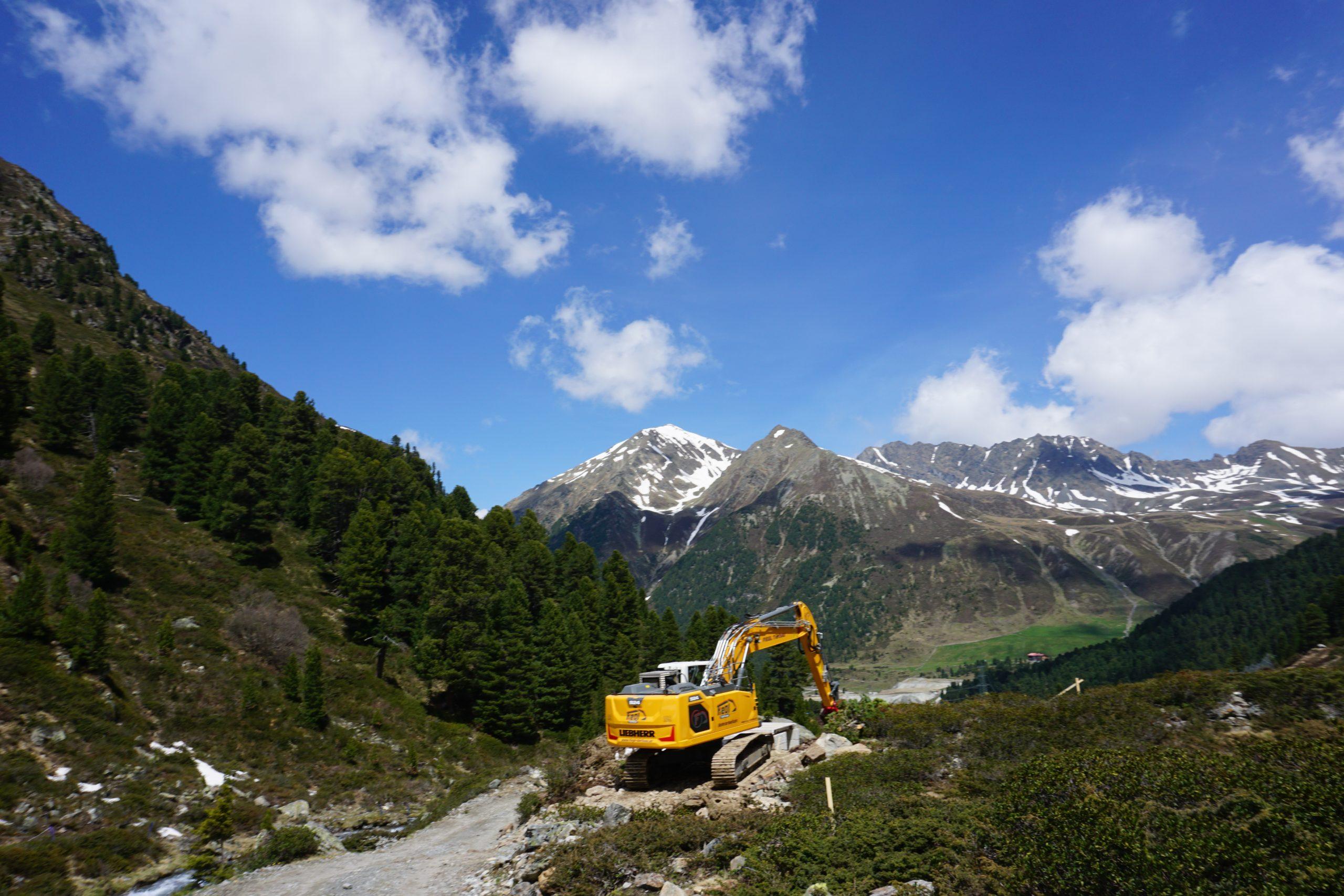 Bauarbeiten im Längental in Tirol